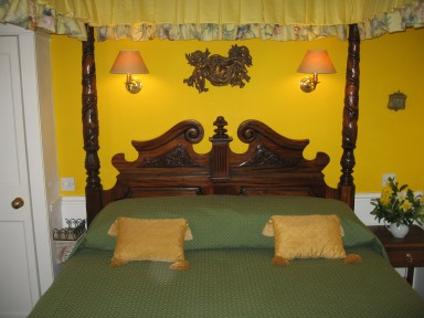 The Garden Suite - Mahogany four-poster bed - larger image