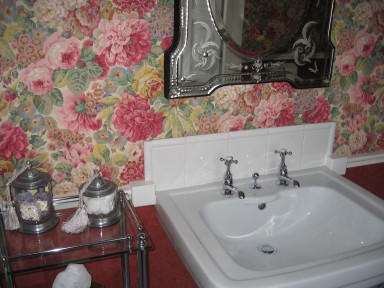 The Rose Bedroom - Large light bathroom - larger image